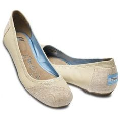 wow... a pair of Toms that I actually like!