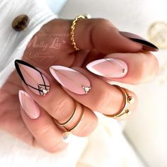 Chic Nails, Stylish Nails, Chic Nail Art, Edgy Nails, Fancy Nails, Bling Nails, Nagellack Design, Classic Nails, Almond Nails Designs