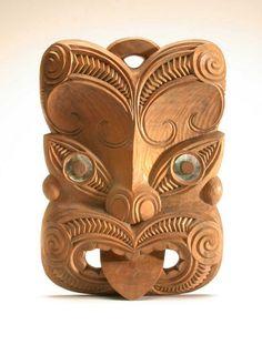 Maori ancestor mask, New Zealand, wood, shell, 50 cm Maori Designs, Maori Face Tattoo, Maori Tattoos, Borneo Tattoos, Thai Tattoo, Neck Tattoos, Samoan Tattoo, Polynesian Tattoos, Tribal Tattoos