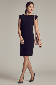 Knee-length sheath with cap sleeves that isn't too short? Perfect! Enter the Sarah 6.0 dress, the ultimate professional wardrobe staple.