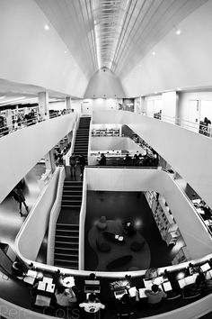 Biblioteca Agustí Centelles