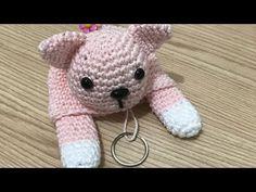 Esconde Chave Gatinho em Amigurumi - YouTube Crochet Baby Cocoon, Crochet Baby Cardigan, Crochet Baby Booties, Cute Crochet, Baby Blanket Crochet, Crochet Pillow Patterns Free, Crochet Edging Patterns, Stuffed Animal Cat, Crochet Keychain