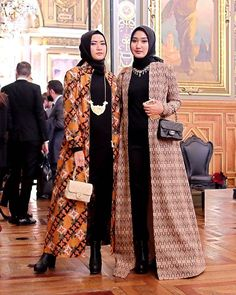 Ideas For Dress Boho Formal Womens Fashion Batik Blazer, Blouse Batik, Batik Dress, Kaftan Batik, Islamic Fashion, Muslim Fashion, Modest Fashion, Fashion Dresses, Batik Fashion