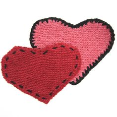 knitted heart dishcloth - free pattern. Put a fancy edging on it in contrasting color for valentine-y super-cuteness.