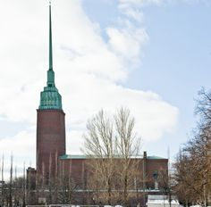Mikael Agricola church, designed by Lars Sonck, was dedicated in spring 1935. The church tower, rising to the height of 103 metres, visible from far out to sea, became the landmark of southern Helsinki during the war, and proved to be a risk. The 30-metre spike-like upper part extending the church tower was lowered inside the tower to prevent enemy pilots from using it as a navigation point.