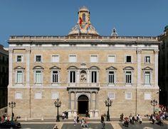 Sede del gobierno illuminati y masón de Cataluña fíjense en el dibujo de la doble pirámide en la cúpula que párese una pirámide o lo es