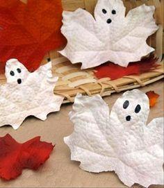 Awww what cute little ghosties!
