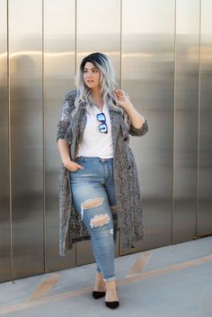 plus size ripped jeans denim destroyed crystal coons ootd sometimes glam… Plus Size Ripped Jeans, Girls Ripped Jeans, Ripped Jeans Outfit, Jeans Denim, Curvy Outfits, Girl Outfits, Casual Outfits, Plus Size Dresses, Plus Size Outfits
