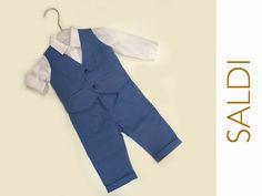 I #saldi continuano! Vieni a trovarci in negozio per gli sconti sull'abbigliamento bimbo e bimba. Troverai anche questo bellissimo completino da maschietto, taglia 6 mesi, scontato del 30%!