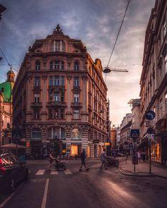 Vienna, Austria | Patrycja Kasprzycka |  Instagram: @p.kasprzycka | Website: kasprzycka.at | #vienna #austria #architecture Vienna, Austria, Street View, Website, Photography, Instagram, Photograph, Fotografie, Photoshoot