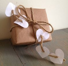 Gift Wrapping Inspiration : Simple Valentine gift wrap you can add more color using red hearts and twine Wrapping Gift, Gift Wraping, Creative Gift Wrapping, Creative Gifts, Wrapping Ideas, Brown Paper Packages, Christmas Wrapping, Christmas Gifts, Paper Gifts