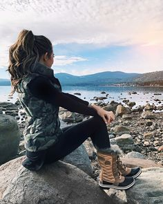 371fa3b7652 17 Best Snow boots outfit images