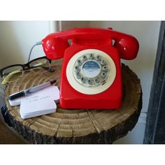 Red retro telephone retro telephones £ store uk, us, eu, ae, Phone Wallpaper Design, Walpaper Black, British Home, Vintage Phones, Furniture Care, Home Phone, Healthy Food Delivery, Healthy Shopping, Healthy Living Magazine
