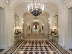 This pretty lobby is nothing other than G-L-A-M-O-R-O-U-S! Don't you love the checkered tiles?