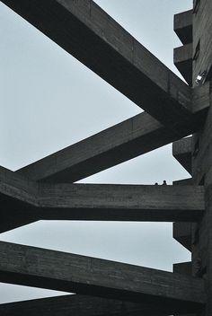 n-architektur:  SESC Pompéia Lina Bo Bardi Photographed by Federico Cairoli