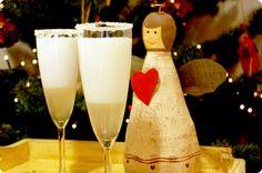¡¡¡Felices Fiestas!!! Esta es nuestra última receta del Especial Navidad. Queremos brindar con todos vosotros por varios motivos… Por estár ahí cada día, dejar vuestros mensajes, darnos tanto cariño. Por todo el tiempo que llevamos juntos. Por todas las recetas que nos quedan por hacer… De corazón GRACIAS por estar… Sorbete de Cava Ingredientes: 1 …
