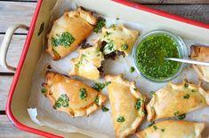 Kublanka vaří doma - Empanadas s chimichurri omáčkou
