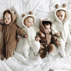 PatPat New Autumn Winter Cotton Casual Newborn Cute Bear Design winter Hooded Jumpsuit Bag Foot Romper For Baby Boy Baby Girl Cute Little Baby, Baby Kind, Little Babies, Cute Babies, Baby Outfits Newborn, Baby Girl Newborn, Baby Boy Outfits, Baby Baby, Foto Baby