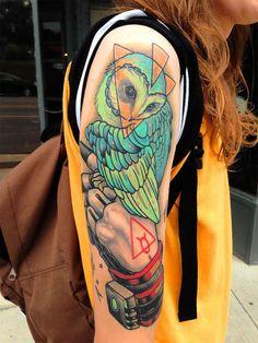Tatuagem de Coruja Feminina | Newschool no Braço