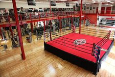 you looking at joining a Or you have just joined a and don't know what equipment you need to start your journey? This article will help you pick up the you need to immediately start your training. Gym Training, Training Center, Boxing Gym Design, Gym Franchise, Fight Gym, Gym Room At Home, Boxing Club, My Gym, Workout Rooms