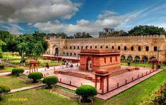So beautiful photography of Alkama Iqbal Mausoleum Lahore Punjab Pakistan Allama Iqbal International Airport, Lahore Pakistan, Urban Park, Moorish, Trip Planning, Like4like, Explore, Mansions, Places