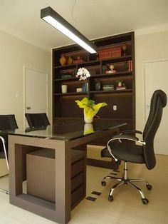 Resultado de imagem para decor+mesa+escritório+advogada