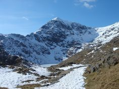 Walks And Walking in Wales - The walking routes of Snowdonia Walking Routes, Bucket List Destinations, Snowdonia, Summer Travel, Wales, Hiking, Earth, Mountains, Art Ideas