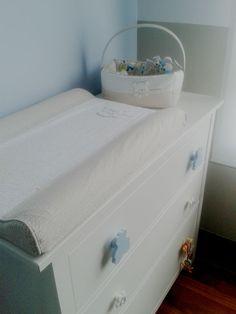 El cambiador del bebé: un poco de tuning : Mummy and Cute. Comoda Hemmes de Ikea