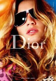 Mode-ontwerper Christian Dior werd geboren op 21 januari 1905 in Granville. Hij overleed onverwachts in Italië op 24 oktober 1957. Hij was een van de beroemdste en invloedrijkste Franse modeontwerpers. Zijn prachtige geboortehuis, de villa Les Rhumbs in Granville, is nu ingericht als museum. De Haute Couture collecties van de meester en zijn opvolgers worden hier tentoongesteld.