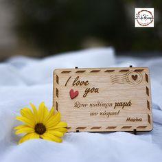 Εκφράστε την αγάπη στη Μητέρα σας, με μία όμορφη ξύλινη κάρτα διαστάσεων 15 * 10 εκ. Συνοδεύεται από stand ώστε να μπορεί να σταθεί στη βιβλιοθήκη ή σε κάποιο ράφι και να διακοσμεί το χώρο. Φυσικά χαράσσουμε το όνομα που θέλετε χωρίς επιπλέον επιβάρυνση I Love You, My Love, Place Cards, Place Card Holders, Te Amo, Je T'aime, Love You