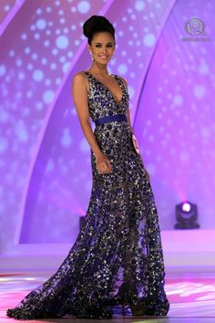 Megan Young, Miss World - 2013 Filipina actress Megan Young was crowned Miss World 2013 on Saturday, besting 126 other candidates from all over the globe. The 23 year old is the first Filipino to win. Sexy Evening Dress, Evening Gowns, Miss World 2013, Megan Young, Filipina Beauty, Filipina Actress, Purple Gowns, Oscar Dresses, Beauty Pageant