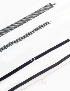 Set 4 chokers Moda Stradivarius b2f1759178f