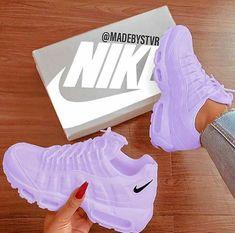 Top 90 air jordan custom sneakers page 16 Top 90 air jordan custom sneakers page 16 Tenis Nike Air, Nike Air Shoes, Nike Custom Shoes, Custom Jordans, Nike Footwear, Moda Sneakers, Cute Sneakers, Winter Sneakers, Women's Sneakers