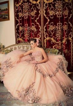 princess quinceanera dresses -> Take proper care of your more fashionable clothes so that you know they will last and remain bright. Hang your clothes and wash them to reduce washes. Quince Dresses, 15 Dresses, Pretty Dresses, Flower Girl Dresses, Princess Dresses, Pink Dress, Casual Dresses, Beautiful Gowns, Beautiful Outfits