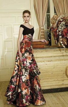 Party dress by Patricia Avendaño at Eva Novias Madrid. Mode Outfits, Dress Outfits, Fashion Dresses, Dress Up, Prom Dresses, Formal Dresses, Dress Long, Fashion Clothes, Lovely Dresses