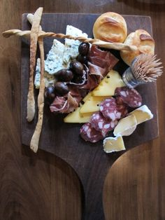 Merenda sinoria. Our typical Piedmontese happy hour. Only fresh and local food, please.