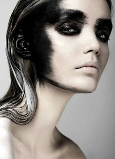 It would be cool if it was black all the way around creating a different face shape. Beauty Exclusive Fears, Paulina Szczepkowska by Weronika Kosińska, Make-up & Hair by Izabela Szelągowska Dark Beauty, Beauty Make-up, Beauty Shoot, True Beauty, Makeup Black, Dark Makeup, Dark Fantasy Makeup, Eye Makeup, Gothic Makeup