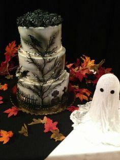 Edgar Allan Poe  The Raven in cake form.