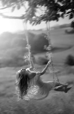 I love to swing! I'm 66 years old and still swing, sometimes it gets too high! I love that God let me keep the kid in me! Black White Photos, Black And White Photography, Belle Tof, Foto Glamour, Belle Photo, Life Is Beautiful, Art Photography, Photoshoot, In This Moment