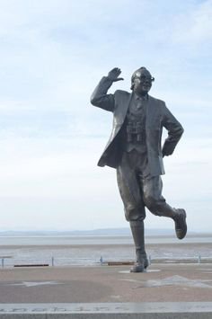 Free image of Eric Morecambe statue Two Of A Kind, Morecambe, Cannon, Free Stock Photos, Comedians, Statues, Free Images, Films, Lion Sculpture