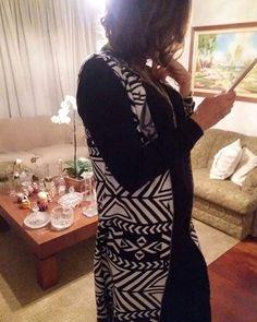 Linda e de um astral maravilhoso @claudia_cristina_coelho arrasou com nosso maxi de tricô estampado! 😍😍😍 #semprecoleteria #coleteria #maxicolete #colete #coletedetricot #tricot #coletefeminino #ootd #lookdodia www.coleteria.com.br