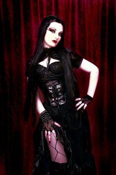 ___╋ I love Gothic ╋___ Gothic Girls, Hot Goth Girls, Gothic Art, Dark Gothic, Gothic Chic, Goth Beauty, Dark Beauty, Dark Fashion, Gothic Fashion