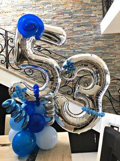 Bouquet de globos azul y plata Balloon Display, Balloon Decorations, Birthday Decorations, Halloween Balloons, Birthday Balloons, Number Balloons, Balloon Bouquet, Papi, The Balloon