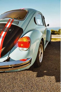 Old beetle modification Vintage Classics, Stunning Photography, Vw Beetles, Old Cars, Vintage Cars, Volkswagen, Around The Worlds, Blue, Collection