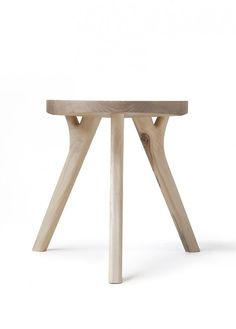 Tabouret bas en bois AUGUST By Nikari design Company Wooden Furniture, Furniture Decor, Furniture Design, Furniture Repair, Furniture Stores, Cheap Furniture, Outdoor Furniture, Stool Chair, Wood Stool