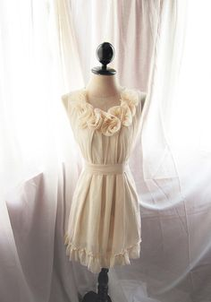 This is too cute! With a pink petticoat underneath, it would be to die for.