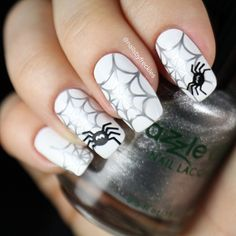 Instagram media nailsbyfreckles - Halloween  #nail #nails #nailart