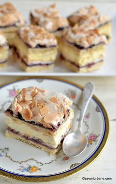 Fancy Desserts, Delicious Desserts, Yummy Food, Romanian Desserts, Cookie Packaging, Dessert Cake Recipes, Square Cakes, Savoury Cake, No Bake Cake