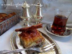 Мароканска баклава (Maroccan Baklava) с орехи, бадеми и шамфъстък Maroccan Baklava with walnuts, almonds and pistachios