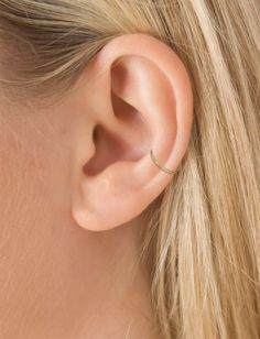 "Maria Tash 3/8"" Plain Ring Conch - CR95_C|YELLOW GOLD Image #model"